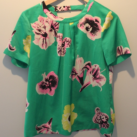 9d65eb1854b J. Crew Tops - J. Crew Green Floral Top - Small